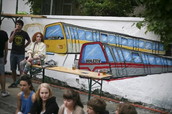 Un metrou numit ''dorinta'' :)...dupa 20 au aparut si ''minunata'' statie basilescu
